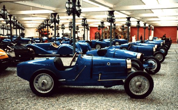 the bugatti revue visit to the schlumpf museum. Black Bedroom Furniture Sets. Home Design Ideas