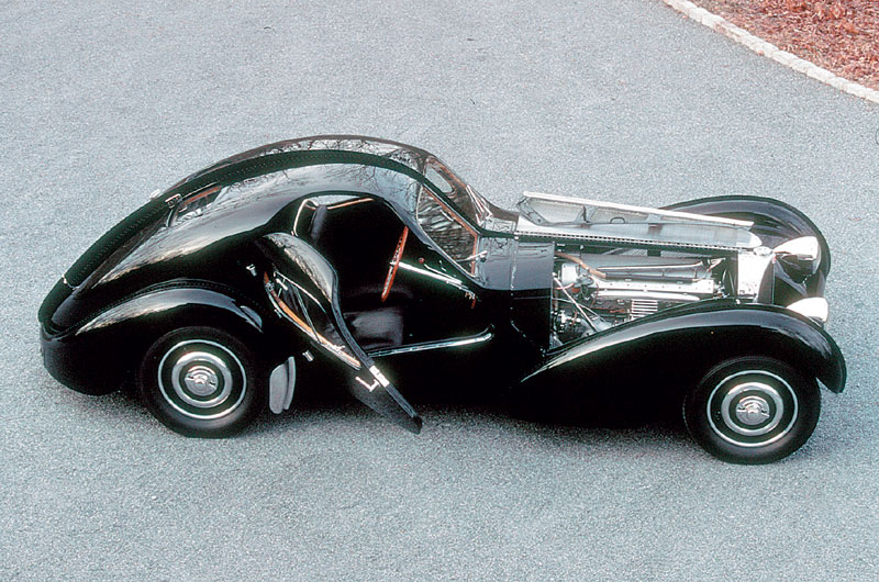 "the bugatti revue, 22-1, ""fantasy motor"" issue - bugatti type 57s"